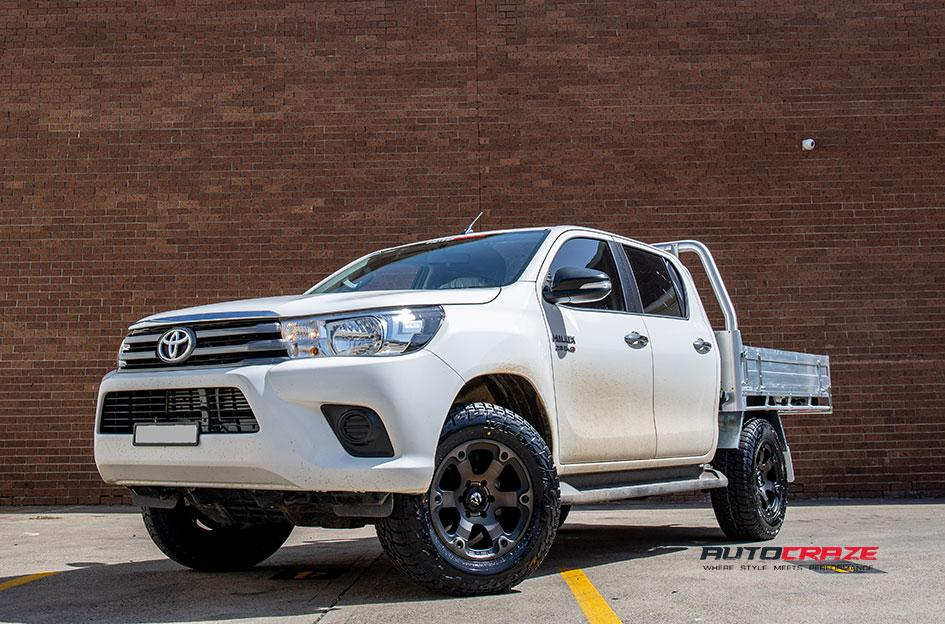 TOYOTA HILUX 4WD BEAST BLACK   MACHINED WITH DARK TINT