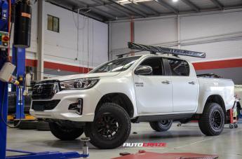 Toyota HILUX 4WD TECH MATTE BLACK