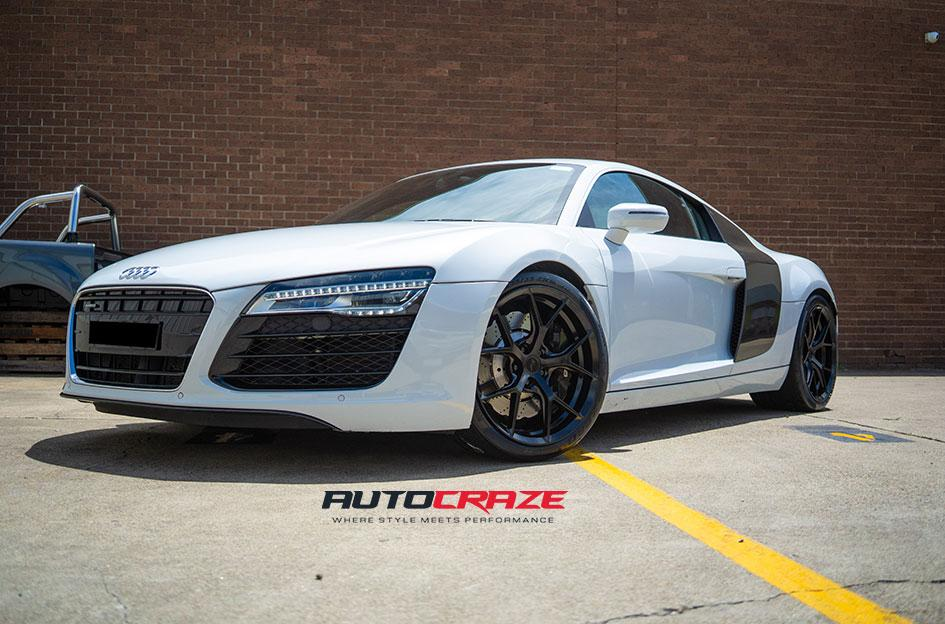 AUDI R8 SF10 SATIN BLACK
