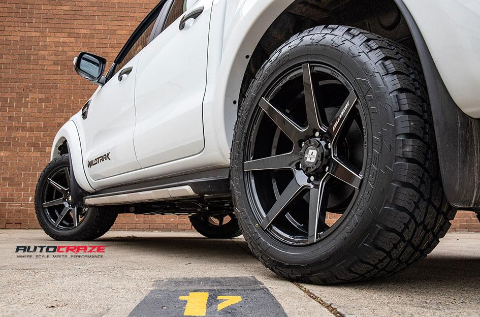 FORD RANGER AVALANCHE GLOSS BLACK MILLED ACCENTS