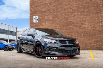 Holden COMMODORE HSV CLUBSPORT R8 IFG 39 BLACK