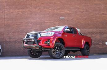 Toyota HILUX 4WD HE901 SATIN BLACK