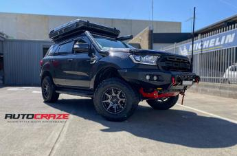 Ford EVEREST TROPHY MATTE BLACK W/ BLACK BOLT GRAPHITE FACE