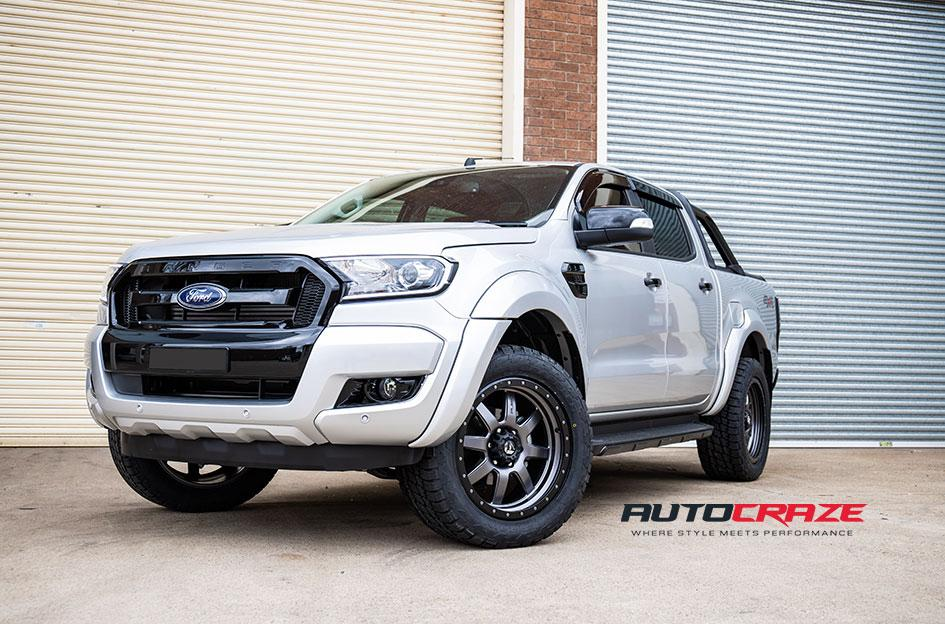 FORD RANGER TROPHY MATTE ANTHRACITE WITH BLACK RING