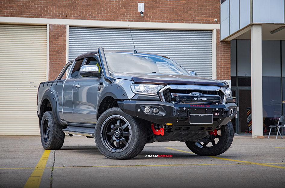 FORD RANGER TROPHY MATTE BLACK WITH ANTHRACITE RING