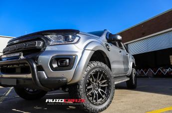 Ford RANGER REBEL ANTHRACITE CENTER W/ BLACK LIP