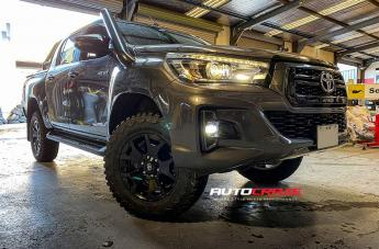 Toyota HILUX 4WD 4X4 ACCESSORIES