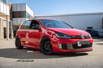 VOLKSWAGEN GOLF SF02 GLOSS BLACK