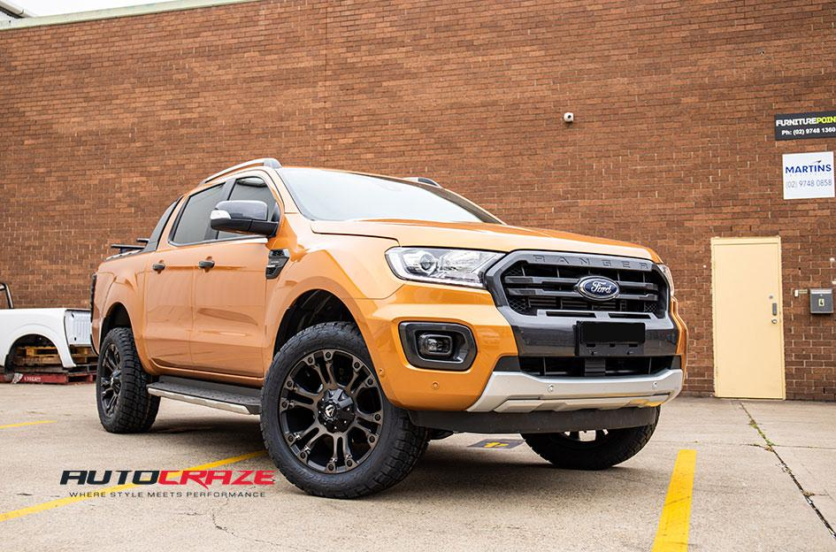 FORD RANGER VAPOR BLACK MACHINED WITH DARK TINT