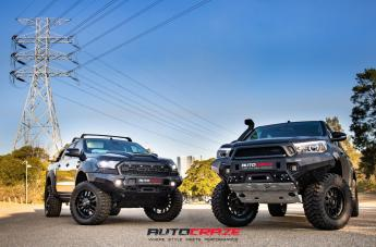 TOYOTA HILUX 4WD GRENADE OR MATTE BLACK  small