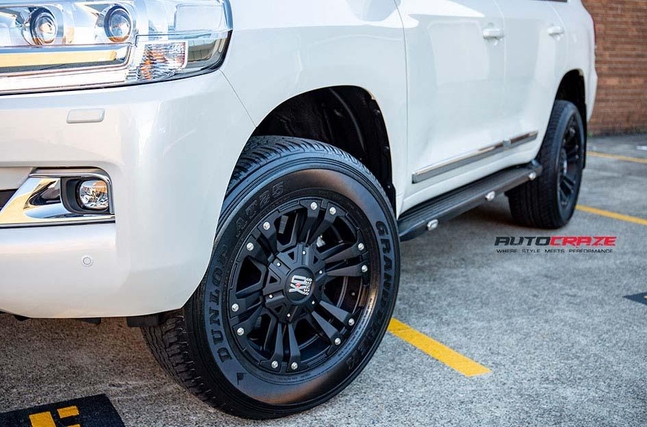TOYOTA LANDCRUSIER MONSTER XD 2 MATTE BLACK