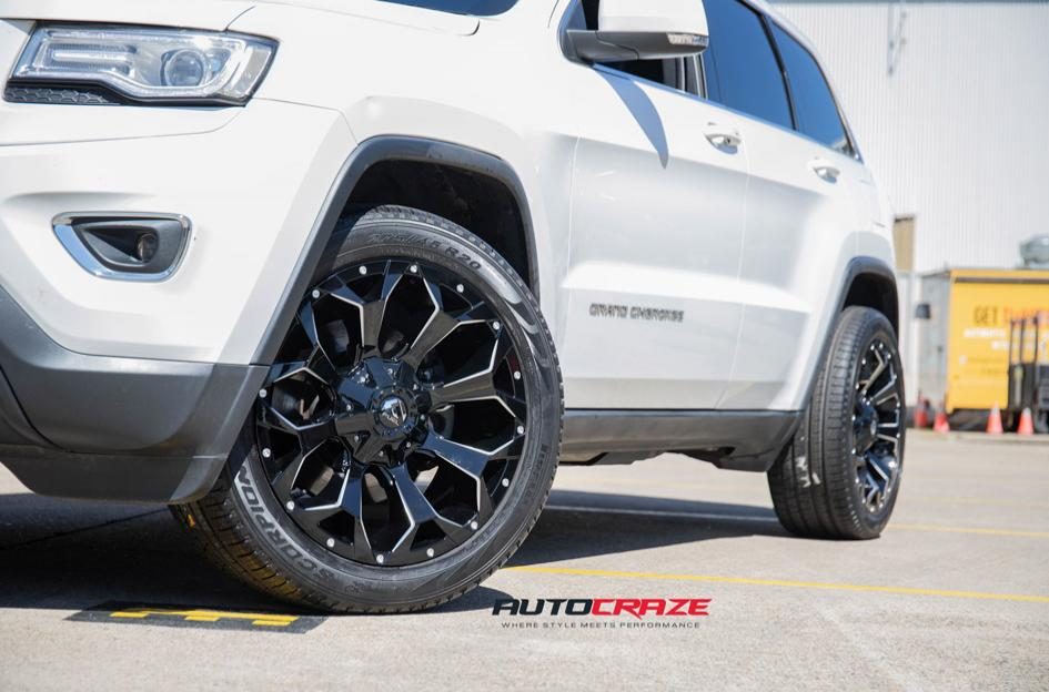 JEEP GRAND CHEROKEE ASSAULT GLOSS BLACK MILLED ACCENTS