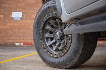TOYOTA HILUX 4WD COVERT MATTE BLACK  small