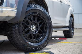 ISUZU MU X KM544 MESA SATIN BLACK GLOSS BLACK LIP  small