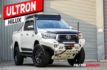 Toyota HILUX 4WD CRUSH GLOSS BLACK DOUBLE DARK TINT