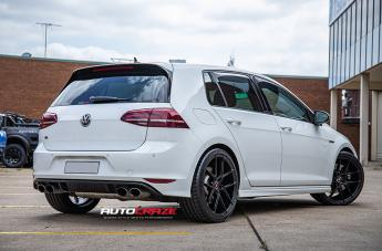 VOLKSWAGEN GOLF IFG 39 BLACK  small