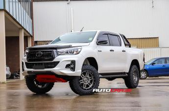 Toyota HILUX 4WD T-16 MATTE ANTHRACITE WITH BLACK RING