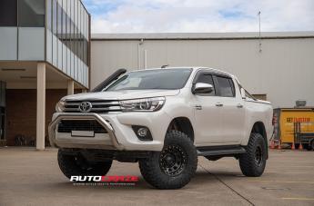 Toyota HILUX 4WD D-LOCKER BLACK