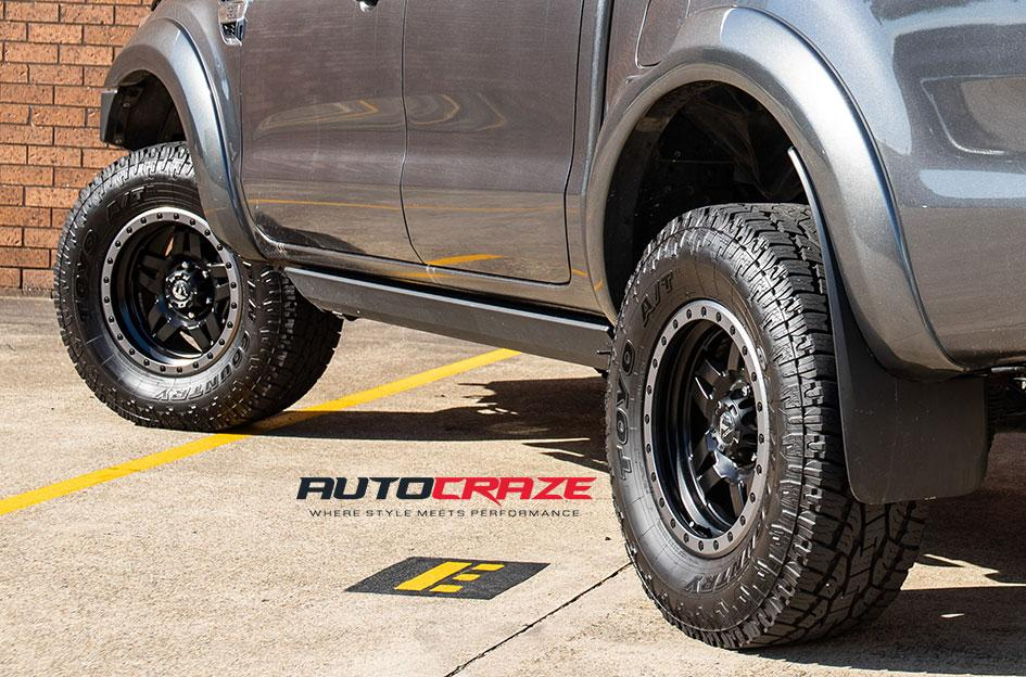 FORD RANGER ANZA MATTE BLACK WITH ANTHRACITE RING