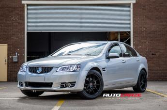 HOLDEN COMMODORE IFG 39 BLACK  small