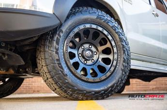 TOYOTA HILUX 4WD VECTOR MATTE BLACK  small