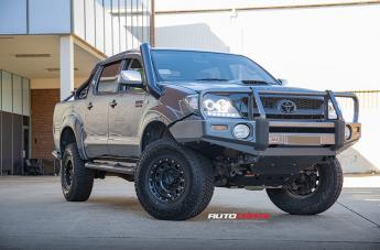 Toyota HILUX 4WD D-LOCKER BLACK