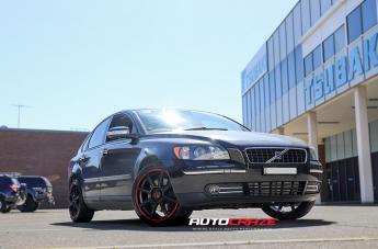Volvo S40 MR142 SATIN BLACK W/ RED STRIPE