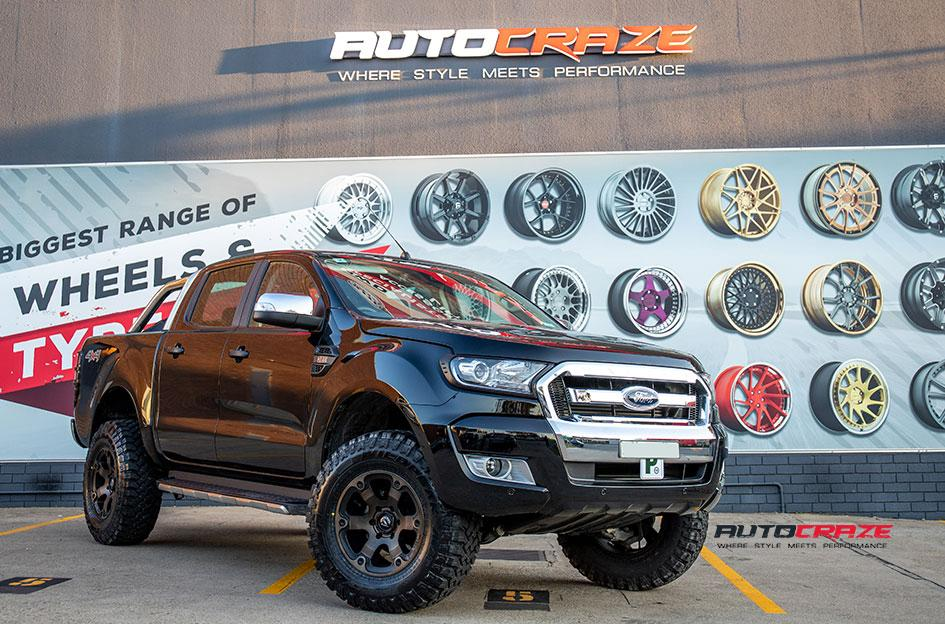 FORD RANGER BEAST BLACK   MACHINED WITH DARK TINT
