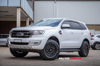 Ford EVEREST VEGAS GLOSS BLACK MILLED