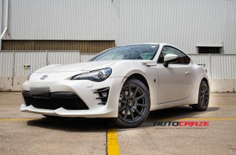 TOYOTA 86 CARBINE BLACK SUEDE  small