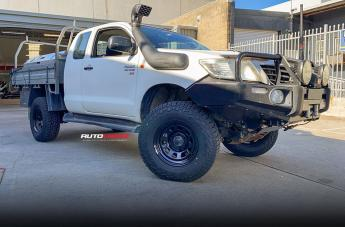 Toyota HILUX 4WD D-HOLE BLACK