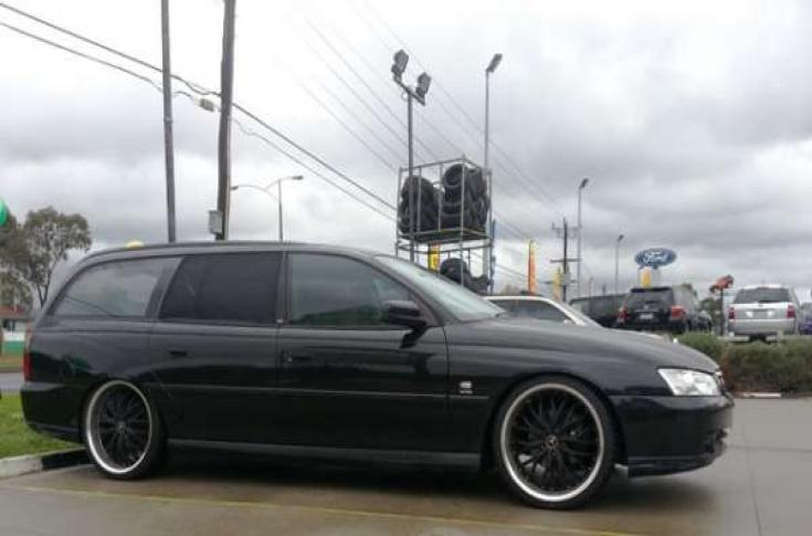 HOLDEN COMMODORE VY WAGON OX631A BLACK MACHINED LIP | Car gallery