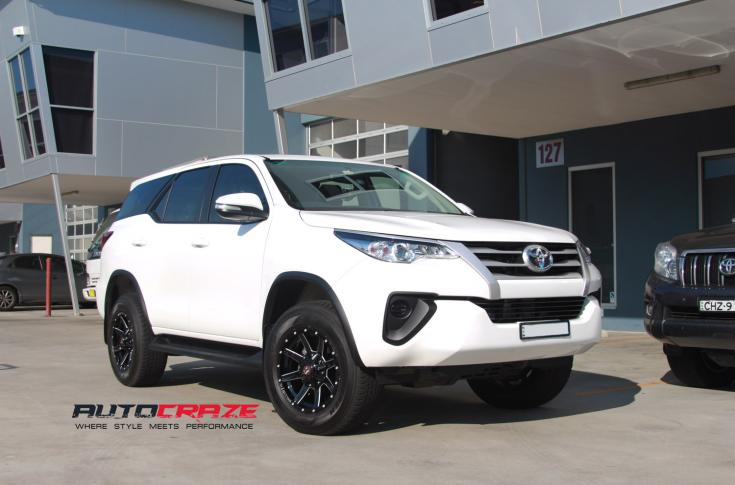 Toyota Fortuner Razorback Gloss Black Milled Accents Car