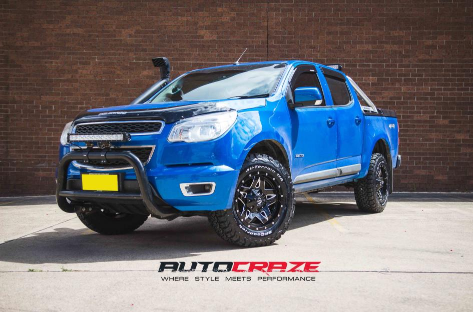 Holden COLORADO FULL BLOWN GLOSS BLACK MILLED ACCENTS