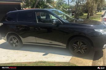 MITSUBISHI OUTLANDER CANNES GLOSS BLACK MILLED ACCENTS  small