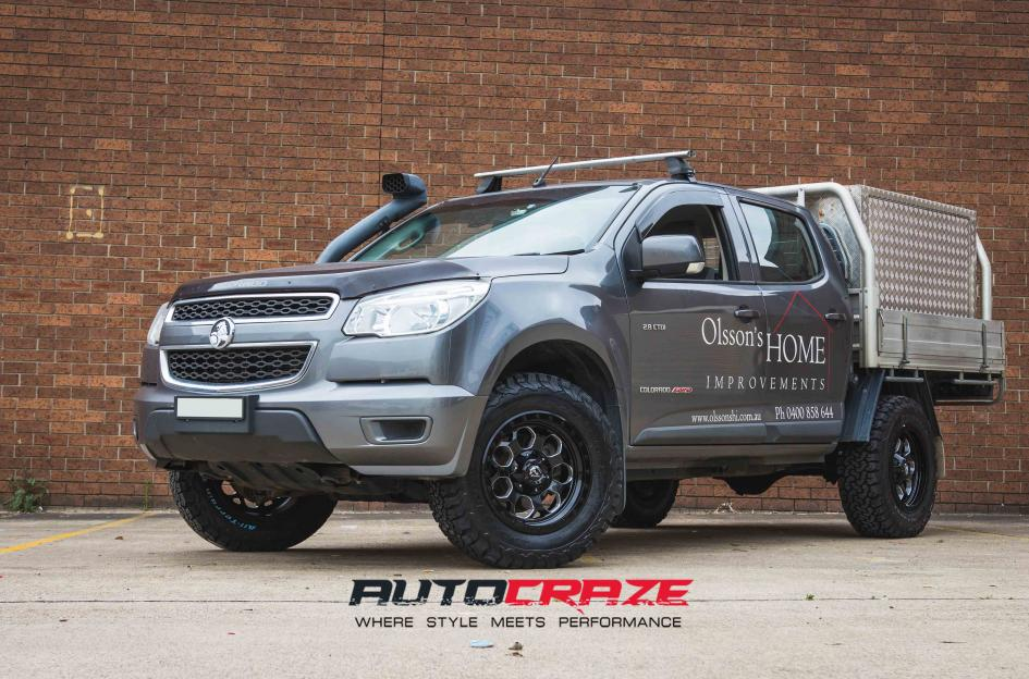 Holden COLORADO SAVAGE GLOSS BLACK MILLED ACCENTS