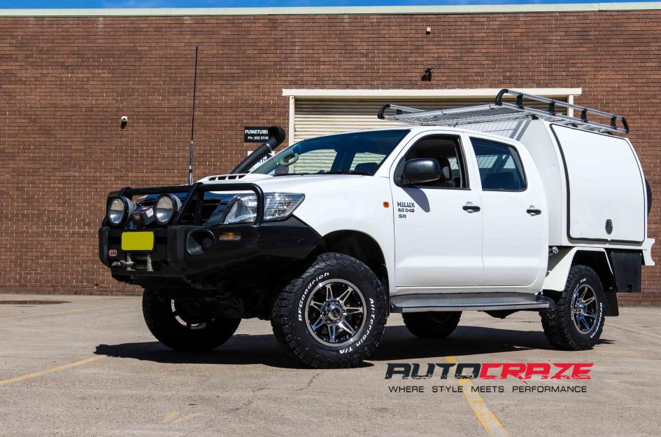 Toyota HILUX 4WD OX823 BLACK MACHINED FACE