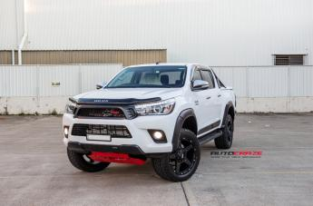 TOYOTA HILUX 4WD GD04 MATTE BLACK  small
