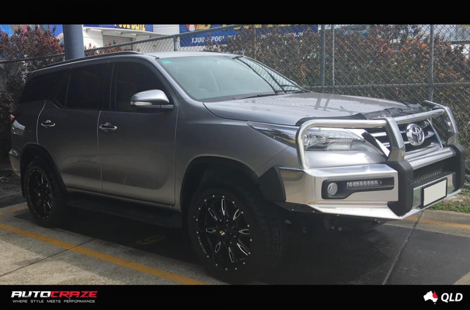 Toyota FORTUNER SCYTHE GLOSS BLACK MILLED ACCENTS