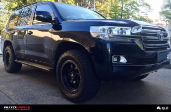 Toyota LANDCRUSIER TROPHY MATTE BLACK WITH ANTHRACITE RING
